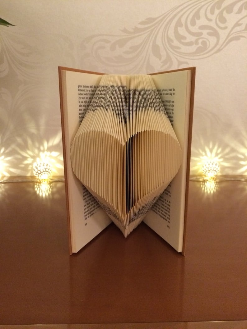 Beginners Book Folding Pattern for a Heart  FREE TUTORIAL image 0