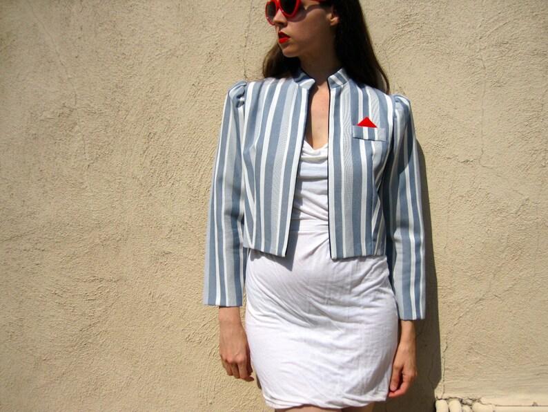 5b4c065f7f944 1980s Stripe Jacket Blue White Puff Sleeve Strong Shoulder