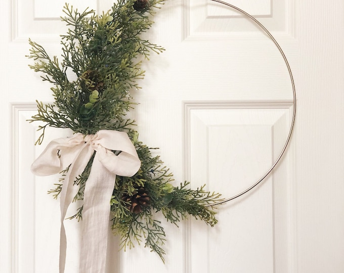 "14"" READY TO SHIP, Modern Christmas Hoop Wreath, Hoop Wreath,  Holiday Wreath, Faux Greenery Wreath, Modern Wreath, Farmhouse Style Wreath"