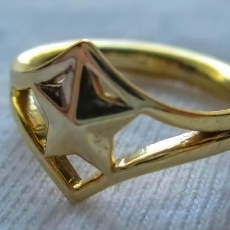 Tiara Inspired Ring image 0