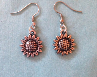 Sunflower charm silver 90's earrings