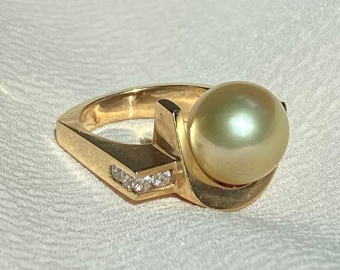 Featured listing image: 14K Sculptural Modern Pearl and Diamond Ring