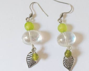 Leaf earrings, spring earrings, green pendants, dew drop earrings