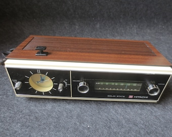 Vintage 1968 Hitachi Solid State 5 Transistor Radio Model TC-501 Table Top AM Clock Alarm Radio Hitachi Ltd.  **FREE Shipping**