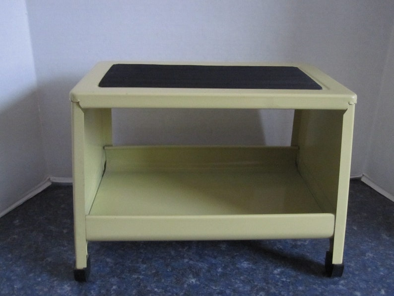 Magnificent Vintage 70S Mid Century Modern Step Stool With Shelf Pdpeps Interior Chair Design Pdpepsorg