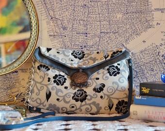 Shoulder Bag Blue Flowers // Handmade