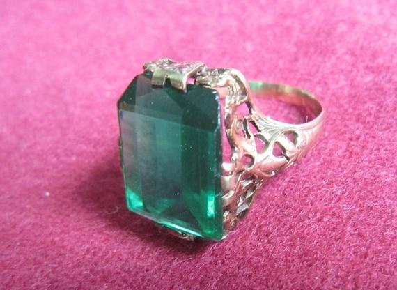 Antique Gold Filigree Ring Original Green Faux Eme