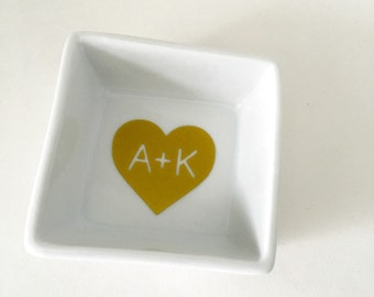 Personalized Ring Dish, Monogram Ring Dish, Jewelry Dish, Ring Holder, Wedding Gift, Engagement Gift, Jewelry Holder, Wedding Ring Dish