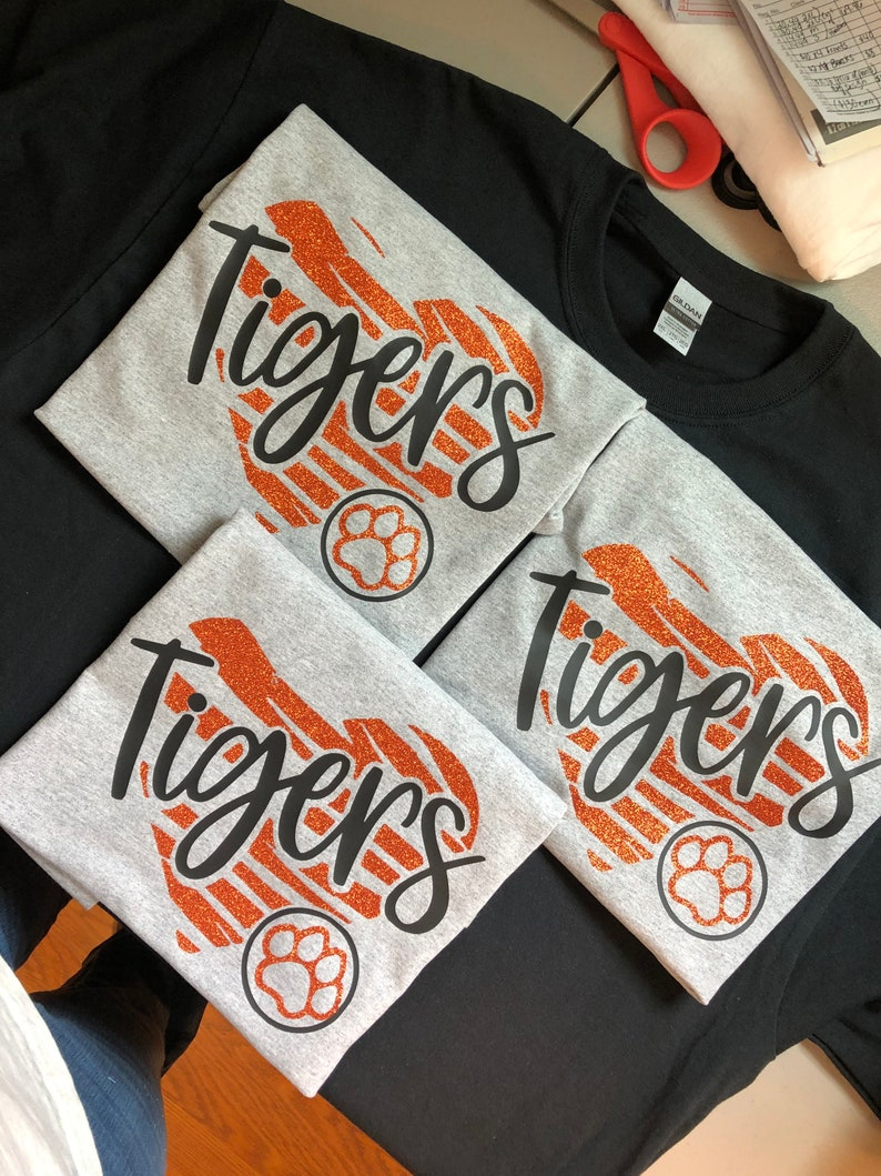 Girls or ladies Tigers Glitter t shirt with heart Tigers Hoody Tigers Long sleeve T shirt wirh Glitter. Tigers T shirt with glitter heart
