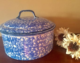 Beautiful Vintage Stangl Pottery Company Casserole With Lid, Town and Country Pattern, Hand Painted Earthenware.