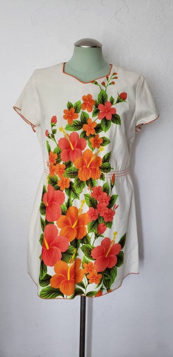 Vintage 1960s Hawaiian Floral Swimsuit Cover Up