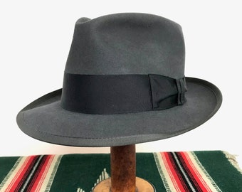 cfa58b6b35f2e Vintage 1950s Royal STETSON Fedora ~ size 7 to 7 1 8 ~ WHIPPET Clone ~ Gray  ~ 50s Hat