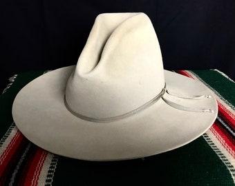 5837faeffc3ed Vintage BAILEY Cowboy Hat ~ size 7 1 8 ~ Gus   Tom Mix ~ 4X Fur Felt ~ Wide  Brim ~ Ranch Wear ~ Silverbelly