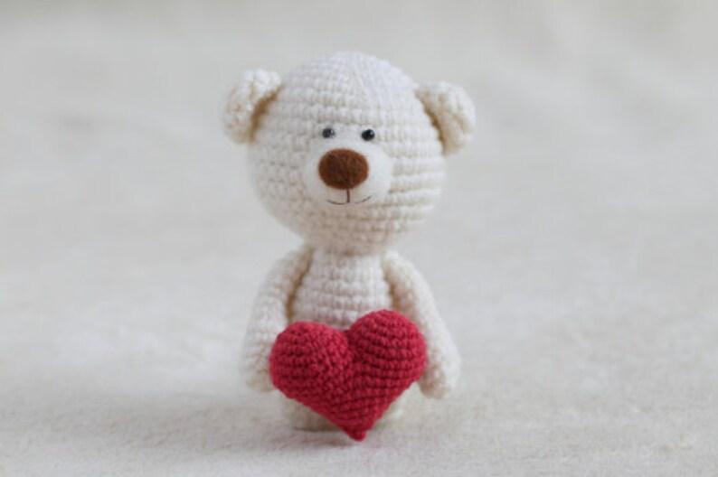 PATTERN SMALL HEART easy crochet amigurumi pattern