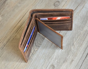 Personalized Mens Wallet, Engraved Wallet, Personalized Monogrammed Leather Wallet, Groomsmens Wallet Groomsmens gift Wallet, father gift