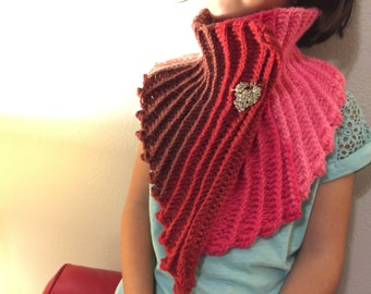 Sweet Heart Mermaid Tail Scarf Pattern. A 2-ways scarf - Sweet Heart / Bow Style. Easy, quick tail to attach on any mermaid tail blanket.