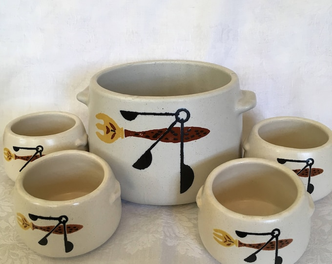 Westbend Knife and Fork Large Crock w/4 Soup Bowls