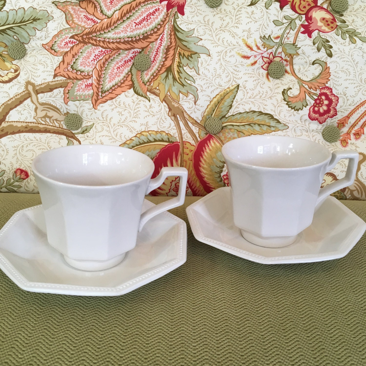 Set/2 Johnson Brothers Heritage White Cups and Saucers