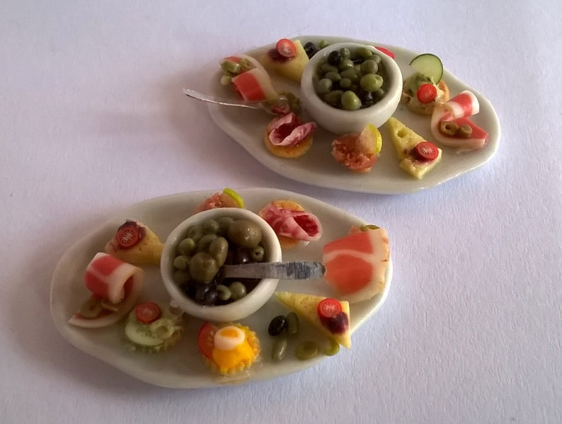 1:12 Scale Bowl Olives OOAK Canap\u00e9s  Appetisers  Tapas  Party Food  Hors d/'oevres Dolls House Food ; Miniature Food
