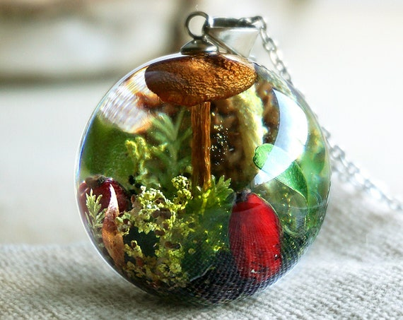 Real Mushroom pendant. Woodland necklace with real mushroom, red barberries, cones, moss, green leaves, lichen and heather.