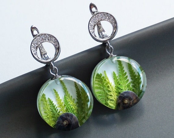 Botanical earrings with genuine branches of Fern and snail shells.
