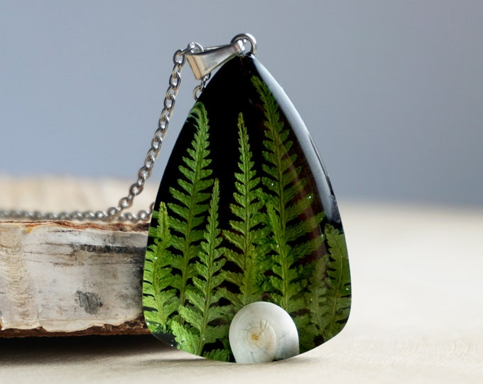 Botanical necklace with genuine branches of Fern and snail shell.
