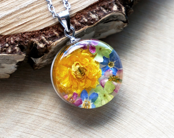 Small botanical pendant with Real Buttercups, Alyssum, Viburnum and Forget me not flowers. Resin Bouquet Necklace. Dry flower necklace