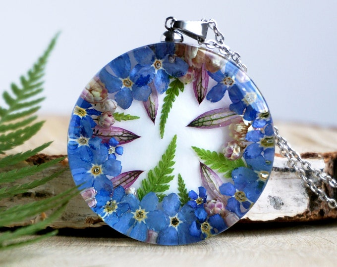 Botanical Necklace with Real Blue Forget me not flowers, ozothamnus and Fern. Resin Pendant with Real flowers. Forget me not jewelry