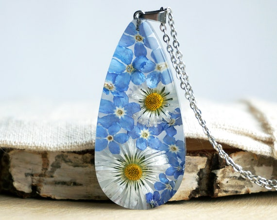 Botanical Necklace with Real Blue Forget me not flowers and Daisies.