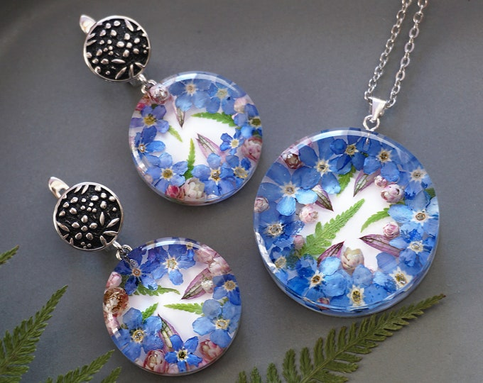 Botanical Jewelry SET with Genuine Blue Forget me not flowers, ozothamnus and fern. Resin Pendant & earrings. Real flower jewelry.