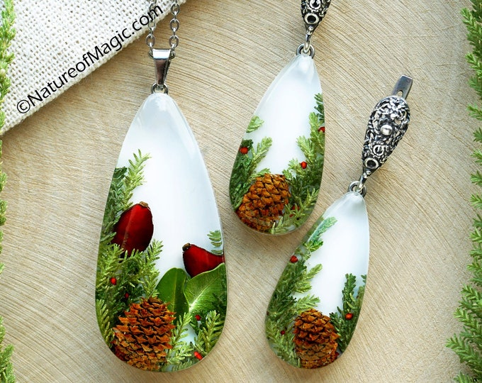 Botanical Jewelry SET with Genuine pine cones, red barberries and heather branches. Teardrop Resin Pendant & earrings. Real plant jewelry.