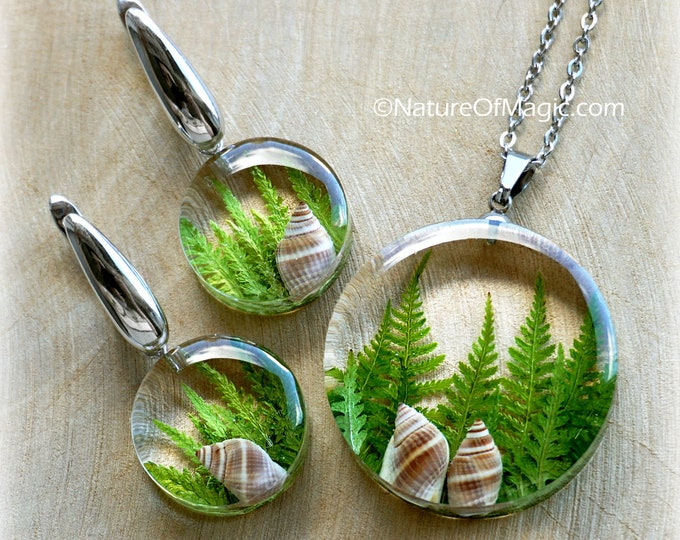 Botanical Jewelry SET with genuine branches of Fern and snail shells. Resin Pendant & earrings.