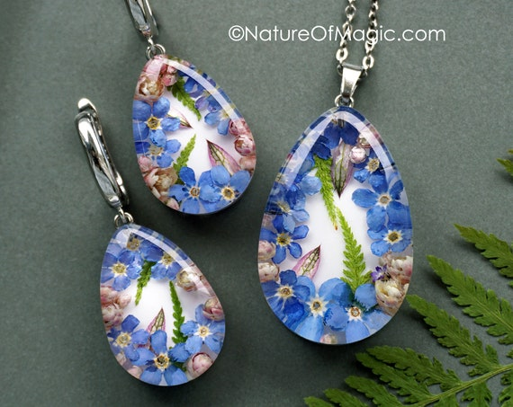 Botanical Jewelry SET with Genuine Blue Forget me not flowers, ozothamnus and fern. Teardrop Resin Pendant & earrings.