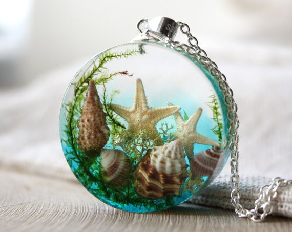 Sea World Pendant. Ocean Necklace with real Starfish and Seashells. Sea Life Resin Pendant.
