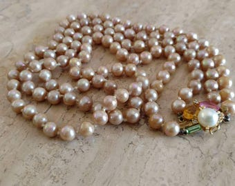 1950's Double Stand Marvella simulated pink Pearl necklace.