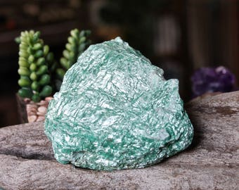 287 gram Fuchsite Specimen / Wiccan Altar Supplies / Wicca Altar Crystal / Rough Natural Healing Stone Specimen / Raw Crystal Healing Stone