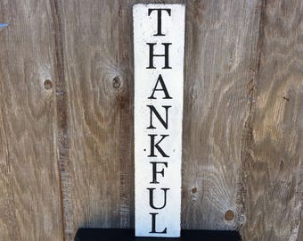 Thankful Sign, Vertical Farmhouse Sign, Rustic Black and White Wall Art, Pallet Wood Thanksgiving Decor, Fall Living Dining Room Signage
