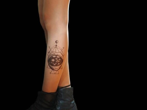 Collant Tatouage Moderne Avec Galaxie Bouche Etsy