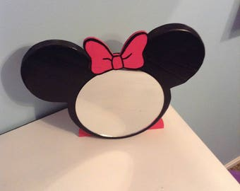 Minnie Mouse makeup mirror