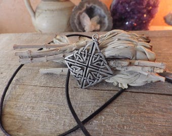Celtic Knotwork Necklace - Celtic jewelry,