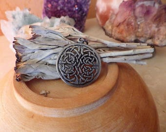 Celtic Shield Amulet - Celtic Jewelry, Celtic knot,