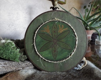 Hand painted Glukstern (Hex Sign) - Rune Decor for inspiration, income and heritage