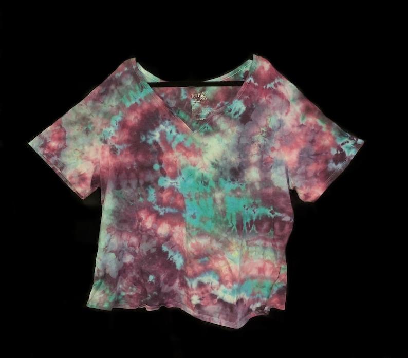Tie-Dye Short Sleeve T-Shirt Women/'s Ice Dye Size 4X Terra /& Sky Embroidered Purple Green Pink