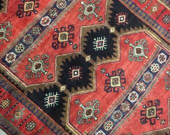 "Radley | 4'10""x10'2"" Vintage Handwoven Persian Rug | Living Room Rug | Bedroom Rug"