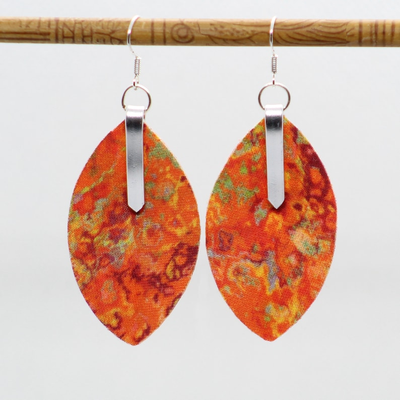 Earrings in mango marbled fabric lightweight marbled 3D image 0
