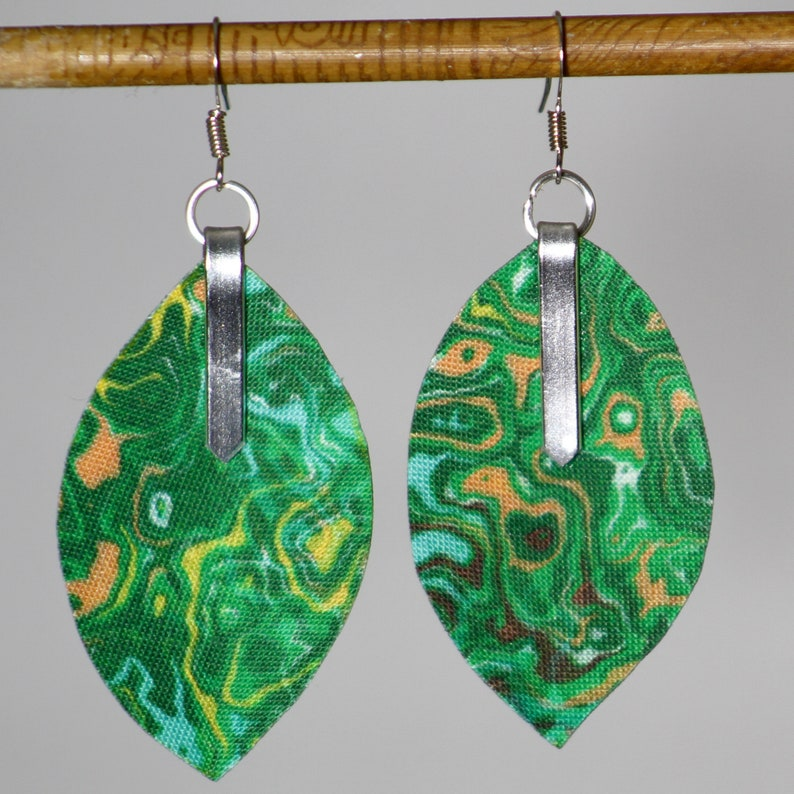 Earrings in garden marbled fabric  lightweight marbled 3D image 0