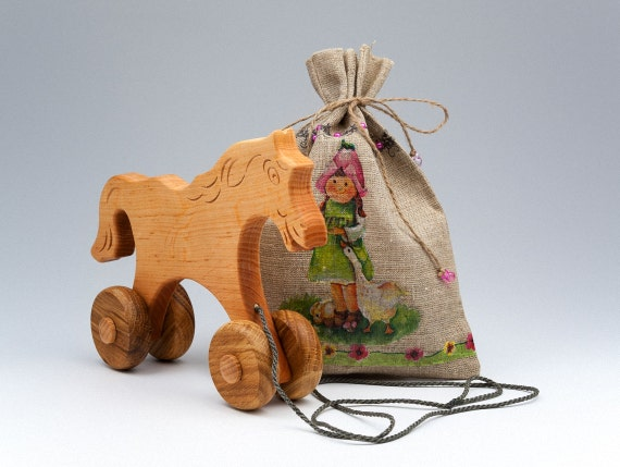 Handmade Toy Pull Rolling Horse Wooden Horse Toy Gifts For Kid Rolling Toy Push /& Pull Toy Eco Toy With Wheels Wood Baby Toys