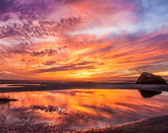 Sunset in Rock Harbor, Cape Cod Bay, Cape Cod, Turtle Rock.