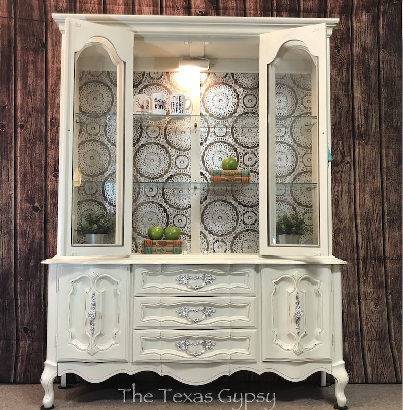 Bon French Provincial China Cabinet, Vintage Farmhouse China Hutch, Antique  White China Cabinet