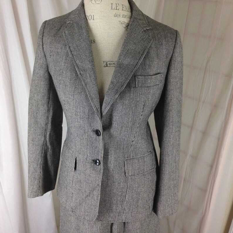 Vtg 1960s Evan-Picone size 10 Black Pin Check Wool Skirt Suit image 0